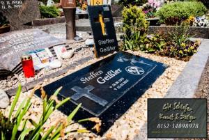 Schiefer Grabsteinplatte mit Granit