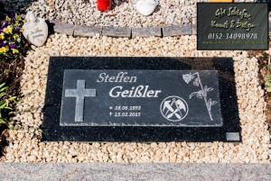 Schiefer Grabsteinplatte